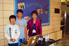 Dr. Radd with students during an IAIE conference school visit in Lexington, Kentucky in 2011.